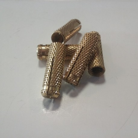 Tuleja mosiężna ϕ 10 mm